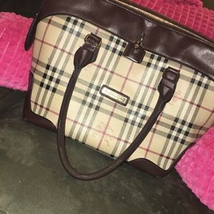 Burberry purse .